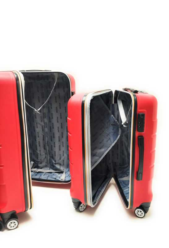 Set tre Trolley in ABS rigido 8 Ruote Clacson Linea ZIP COLORS con Trolley Bagaglio a mano Easyjet low cost - Foto2